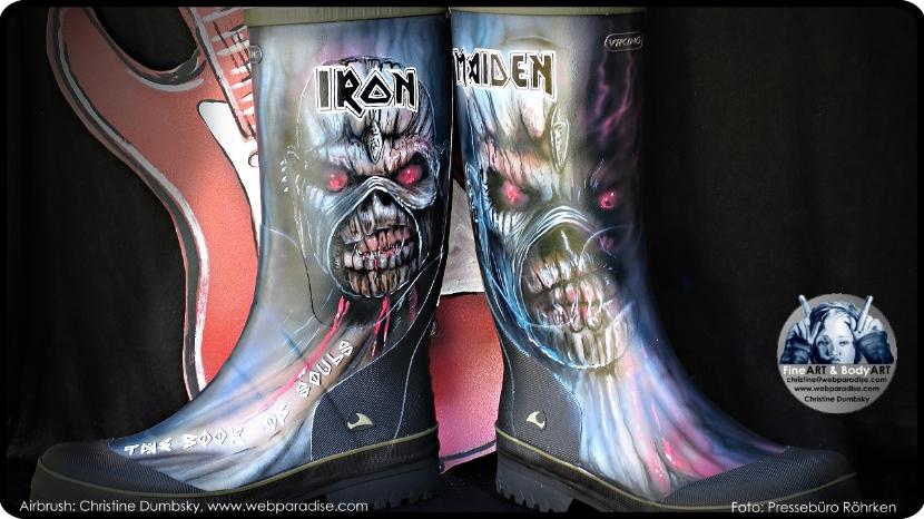 Bemalte Schuhe Stiefel Gummistiefel Boots Airbrush Heavy Metal Iron