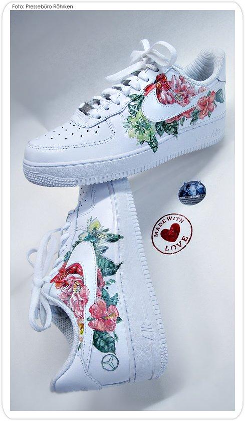 9b046cc32b Airbrush Nike Air Handbemalt Christine Sportschuhe 8585 Bemalt Dumbsky  thdQCsr