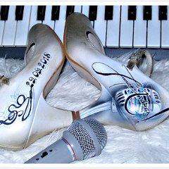 Schuhe Bemalen Lassen Airbrush Musik Micro Saenger Christine